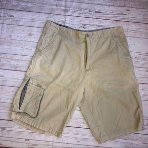 Vans cargo shorts size 36 tan